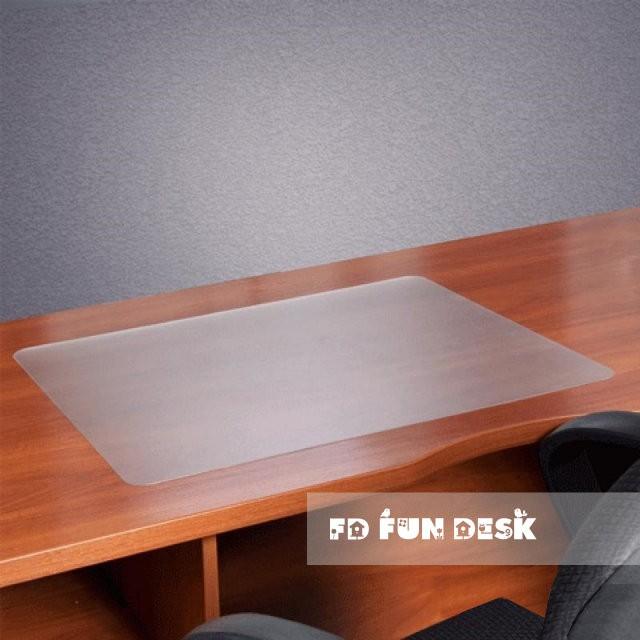 Защитная накладка на парту FunDesk SS19-TRАксессуары<br><br>Бренд: FunDesk; Ширина (см): 65; Глубина (см): 45; Высота (см): 0,2;