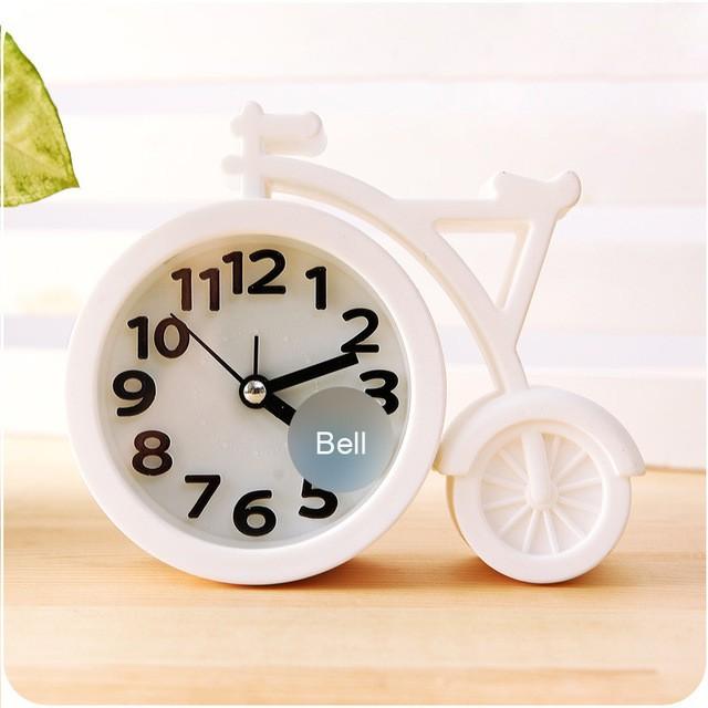 Часы-будильник QD-286 Велосипед БелыйАксессуары<br><br>Цвет: Белый; Ширина (см): 13; Высота (см): 11;