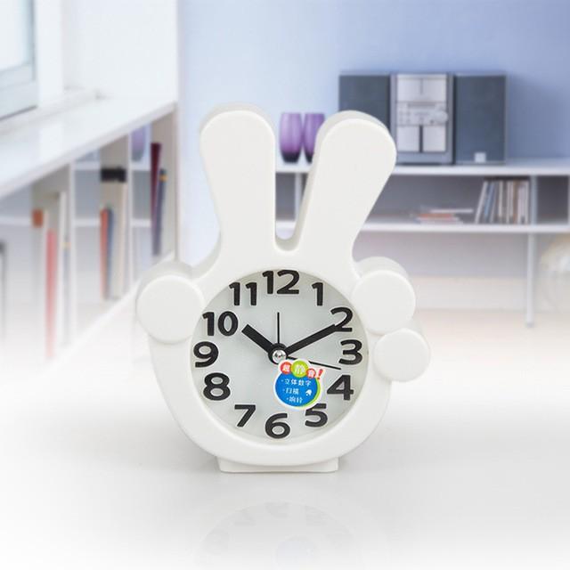 Часы-будильник QD-284 Виктори БелыйАксессуары<br><br>Цвет: Белый; Ширина (см): 11; Высота (см): 13;