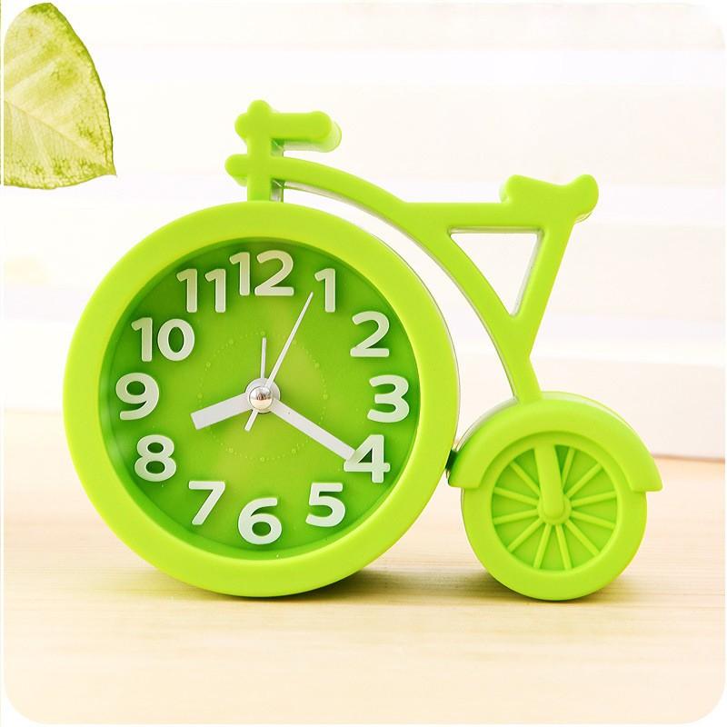 Часы-будильник QD-286 Велосипед ЗеленыйАксессуары<br><br>Цвет: Лайм; Ширина (см): 13; Высота (см): 11;